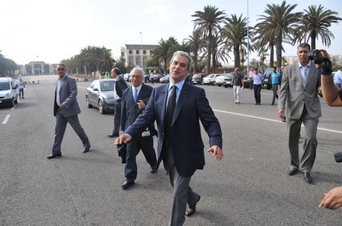 الأمير هشام يحل بالمغرب للإحتفال بالعيد و يحتج على تأخر حقائبه بمطار الرباط !
