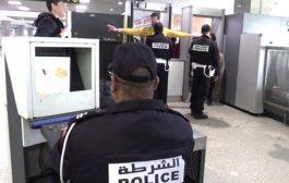 توقيف 3 تونسيين بمطار البيضاء حاولوا تهريب الشيرا و الكوكايين !