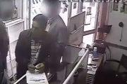 فيديو . شخص يسرق محل تجاري في واضحة النهار بالناظور