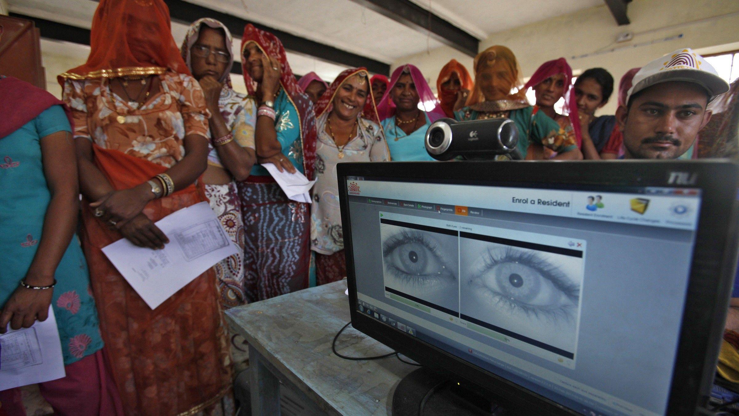 المغرب يشتري برنامج إلكتروني هندي لتحديد هوية المواطنين بدقة بـ100 مليون دولار و تخوفات من انتهاك خصوصية المغاربة