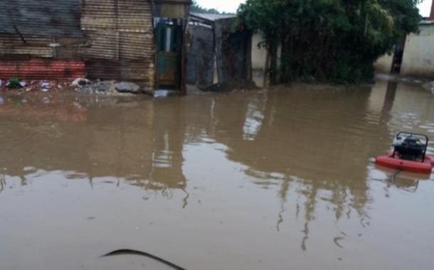 صور. الأمطار تغرق ساكنة دواوير بالقنيطرة منحوا أصواتهم لـ'فوزي الشعبي' الذي اختفى عن أنظارهم