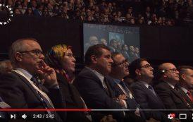 فيديو . وفد ديبلوماسي كبير يرافق الملك محمد السادس لقمة 'الكوكب الواحد' بباريس