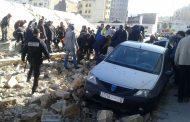 عاجل/صور .سقوط سور ضخم على مواطنين بالدار البيضاء يوقع ضحايا مطمورين تحت الأنقاض