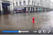 فيديو . كازا غارقة فالفيضان و سكة الترامواي مَا بْقَاتشْ كَتْبَانْ