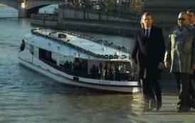 فيديو . الملك و الرئيس الفرنسي يستقلان مركباً على نهر السين لحضور قمة المناخ بباريس