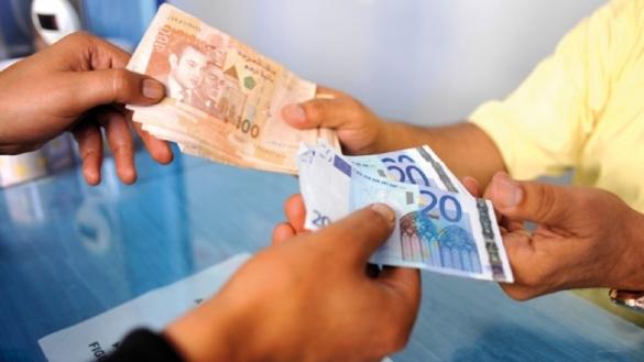 انهيارٌ للدرهم أمام اليورو بعد ساعة واحدة فقط من إعلان المغرب تعويم العُملة