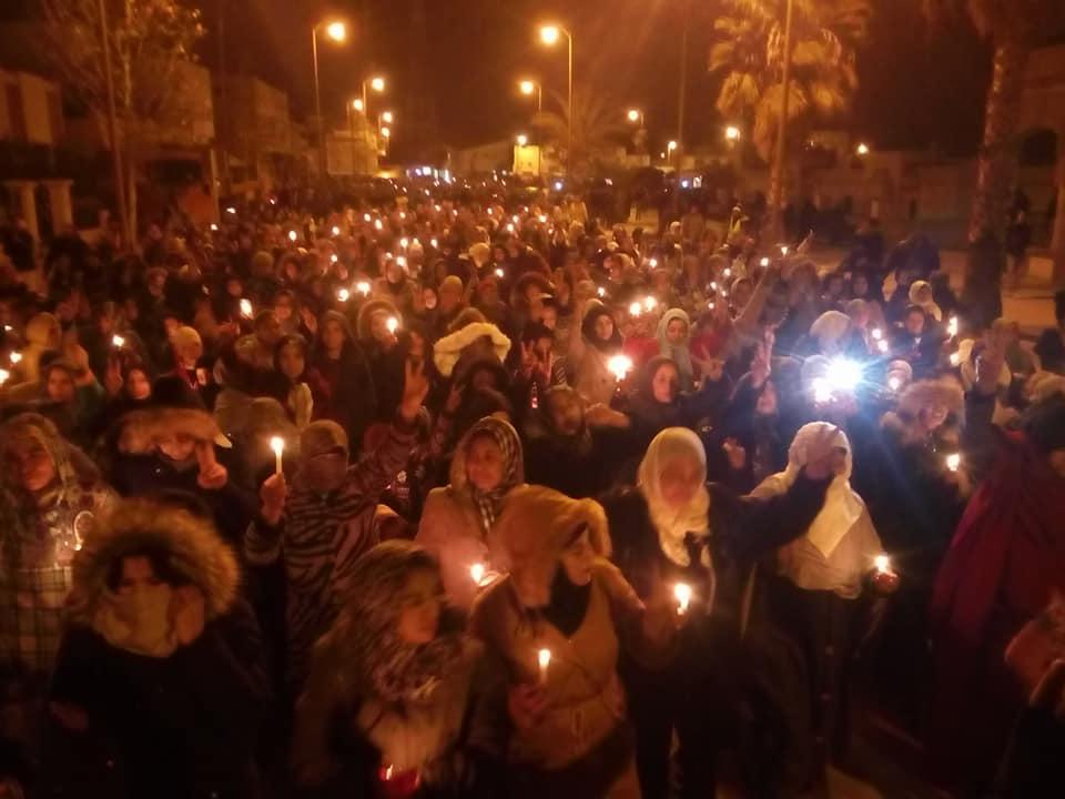 صور | جرادة تخرج للإحتجاج ليلاً بالشموع و العثماني يزور المنطقة بعد 3 أسابيع
