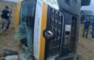 انقلاب سيارة نقل مدرسي ضواحي مراكش كاد يتسبب في كارثة وفيات في صفوف التلاميذ