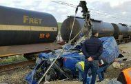 المٓلك يعزي عائلات ضحايا اصطدام قطار بحافلة لنقل العُمال بطنجة