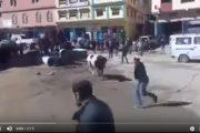 فيديو | ثور هائج يثير الفوضى و الرعب بأحد أسواق طنجة !