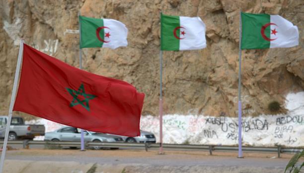 """الجزائر ترحل 12 """"حراكا"""" مغربياً عبر """"زوج بغال"""" وتحتفظ بآخرين !"""
