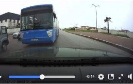 فيديو | طوبيس في الدار البيضاء يعرض حياة المواطنين للخطر بطريقة مخيفة