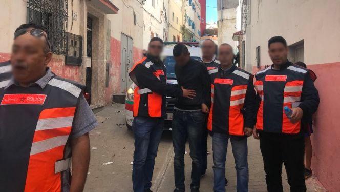 أمن طنجة يوقف متخصص في سرقة هواتف المواطنين باستعمال دراجة نارية
