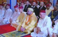الاخوان 'أبو زعيتر' يُستقبلون من قبل المٓلك ويؤدون صلاة الجمعة برفقته
