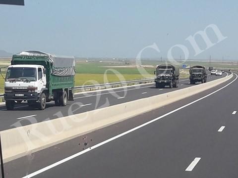 Photos - Logistique et Camions / Logistics and Trucks - Page 6 As-1