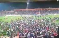 فيديو | جماهير نهضة بركان تجتاح الملعب بعد التأهل التاريخي لدور المجموعات لكأس 'الكاف' !
