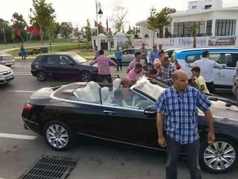 الملك يتجول بشوارع الرباط دقائق قبل آذان المغرب