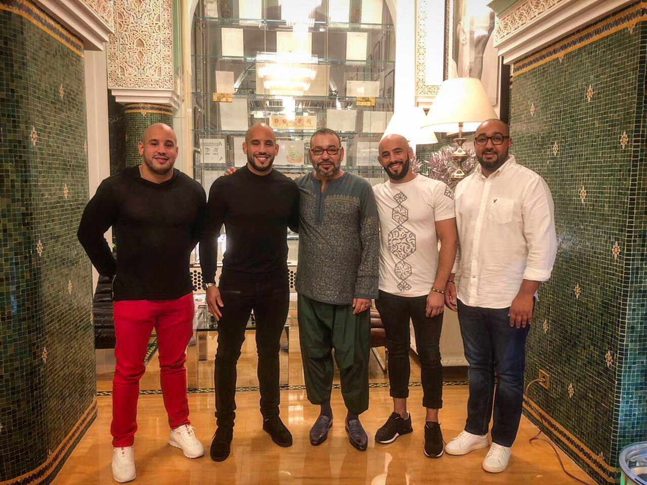 صورة/ أبو زعيتر يظهر مع الملك محمد السادس في صورة جديدة !