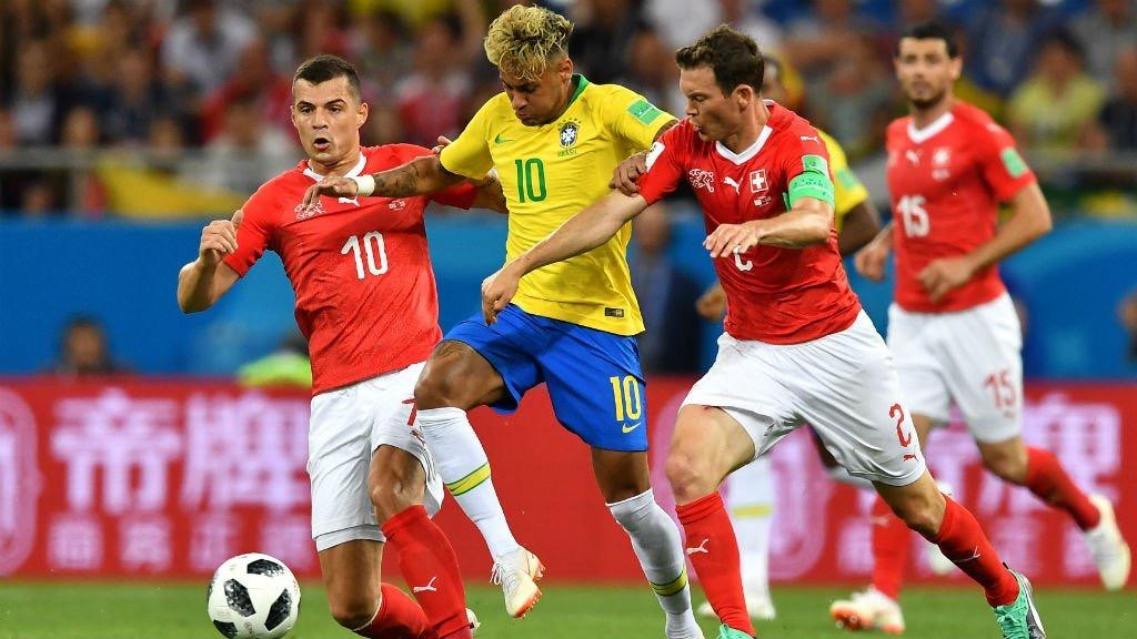 سويسرا تحرج البرازيل بحضور نيمار وتفرض عليها التعادل في مباراة مثيرة