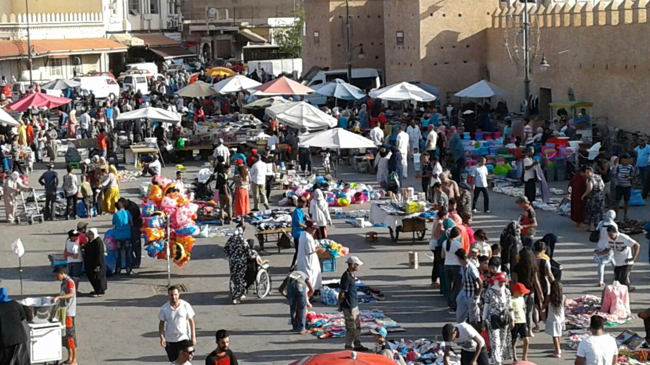 فيديو/ مع اقتراب عيد الفطر..فوضى كبيرة بسوق باب سيدي عبد الوهاب بوجدة