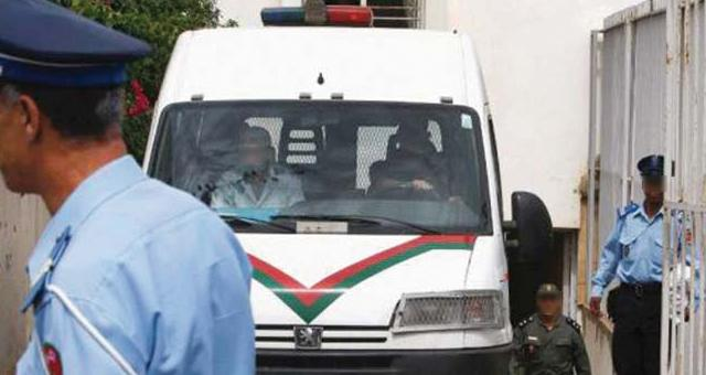 اعتقال تلميذ وجه لكمات لأستاذه باولاد تايمة !
