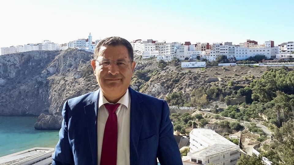 رئيس بلدية الحسيمة يتهم صحيفة إسبانية بتحريف حواره وينفي إتهامه للمتظاهرين بإرتكاب جرائم في حق السلطات