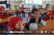 فيديو | نبوغ تلاميذ العالم القروي .. يجيبون بدقة على عمليات حسابية باستعمال أيديهم !