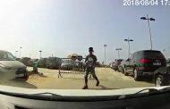 بالفيديو/عصابات تُسيطر علىى شاطئ 'دار بوعزة' وتفرض 20درهماً لركن السيارات