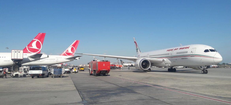 فيديو وصور/طائرة مغربية تصطدم بطائرة تركية بمطار إسطنبول