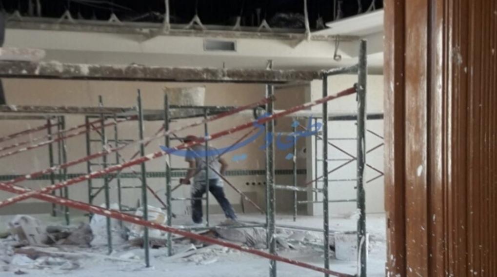 عمدة طنجة يصرف ميزانية ضخمة لتزيين مكتبه بالرخام والثريات بعد تجديد أسطول السيارات
