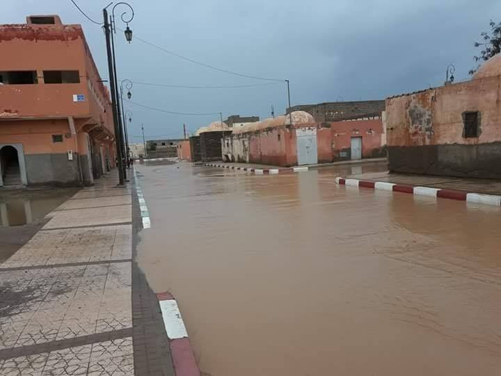 صور/ الأمطار تغرق شوارع السمارة و تكشف هشاشة البنية التحتية !