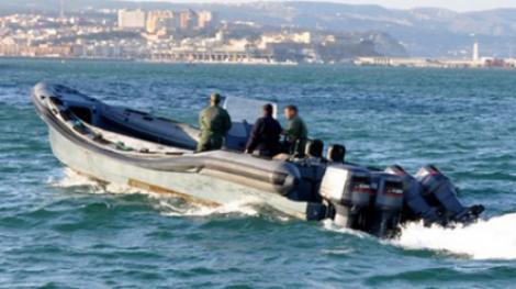 إعتراض قاربين قادمين من موريتانيا محملين بالسجائر بسواحل الداخلة !