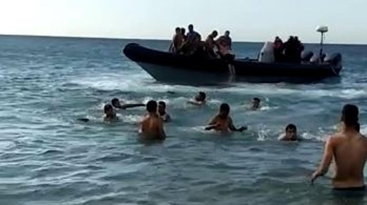 خطير/مافيا المخدرات تغير أساليب عملها و تقتحم شواطئ المغرب لشحن المهاجرين لتعويض خسائرها !