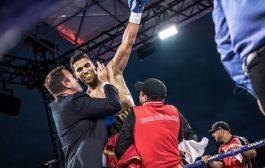 فيديو / ربيعي يطيح بملاكم برازيلي شرس و يحقق سادس انتصاراته الإحترافية !