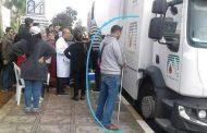مُعطلون مكفوفون يخرجون 'الحقاوي' ويتبرعون بالدم لإنقاذ جرحى قطار بوقنادل