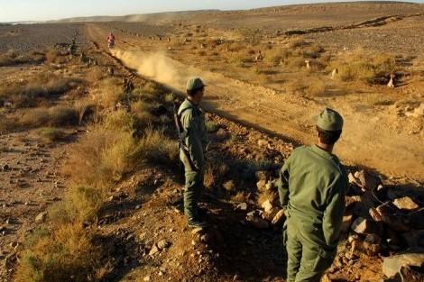 مهربون يطلقون الرصاص على جنود مغاربة في الحدود مع الجزائر و يصيبون عسكرياً بجروح !