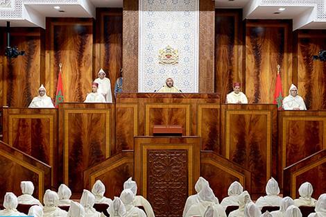 الملك يقصف البرلمانيين : المغرب يحتاج إلى وطنيين حقيقيين و رجال دولة صادقين لا إلى انتهازيين !