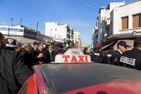 """سيارات الأجرة الصغيرة بأكادير تحتج ضد """"الحكرة"""" و تطالب بتحسين أوضاع المهنيين !"""