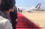 الرئيس الفرنسي امانويل ماكرون يحل بمطار طنجة ابن بطوطة