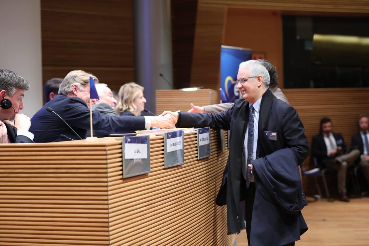حزب 'الاستقلال' يعقد شراكة مع الحزب الشعبي الأوربي أول قوة سياسية في أوربا