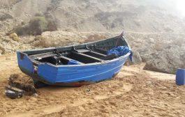 سلطات الداخلة تحطم قوارب صيد غير قانونية !