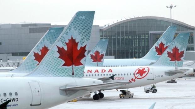 كندا تُقرُ قانون تعويض مالي كبير للمسافرين جواً في حال تأخر رحلاتهم أو إلغاؤها