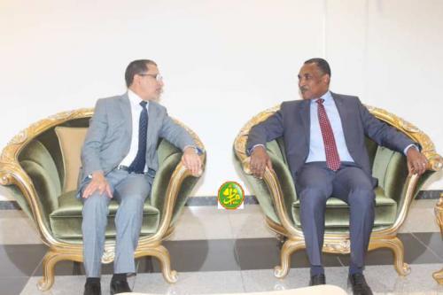 العثماني يجتمع بالوزير الأول الموريتاني وينقل تحيات محمد السادس للرئيس ولد عبد العزيز