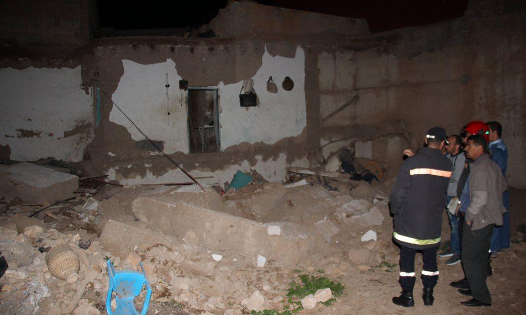 صور/ نجاة عائلة بتزنيت من موت محقق بعد انهيار منزلها الآيل للسقوط منذ 2014 !