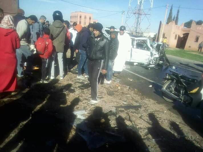 صور/ حادث سير مروع بأوريكا يودي بحياة 3 أشخاص !