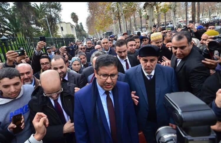 حمي الدين يمثل أمام المحكمة من جديد و البيجيدي يضغط لإلغاء اجتماع برلماني لحشد السفر إلى فاس !