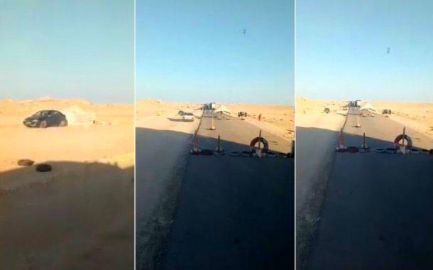 فيديو | مجهولون ينصبون الخيام و يقطعون الطريق أمام الشاحنات بالكركرات !