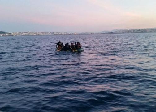 الجزائر توقف 20 'حراك' مغربي و أمن السعيدية يطيح بزعيم شبكة للهجرة السرية !