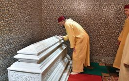 الملك محمد السادس يترحم على والده الحسن الثاني في الذكرى العشرين لوفاته !