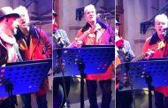 فيديو | الأمير هشام يغني للفرقة البريطانية 'Rolling Stones' !